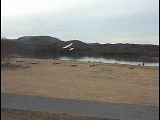 ライトプレーンのテスト飛行(その4) 左旋回傾向と風にもあおられて…ブーメラン!?