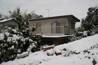 雪化粧の自宅