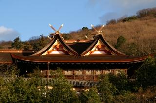 駐車場から眺めた吉備津神社本殿